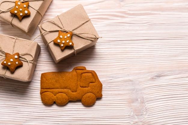 De dozen van de kerstmisgift en peperkoekwagen