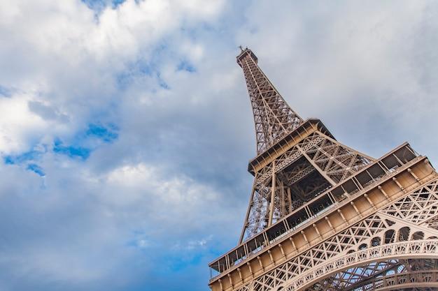 De eiffeltoren in parijs, frankrijk