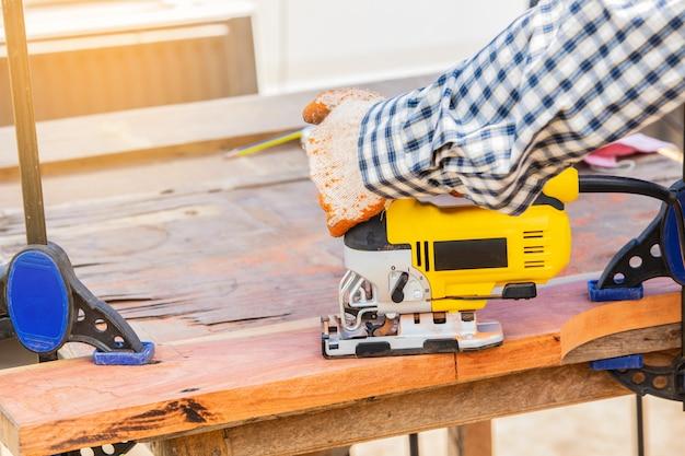 De gele puzzel voor houtbewerking