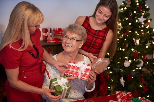 De gelukkigste grootmoeder ter wereld