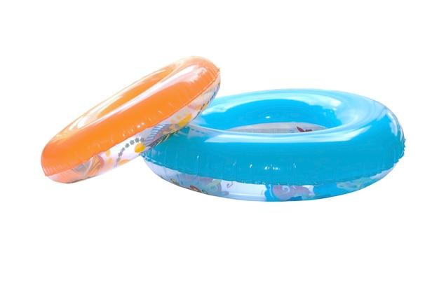De groep kleurrijke zwemt ringen die op wit worden geïsoleerd.