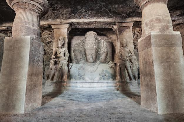 De grotten van elephanta island