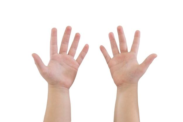 De handen van kinderen tonen tien vingers die op witte achtergrond worden geïsoleerd. de handen van kinderen worden opgeheven. geïsoleerd op wit.