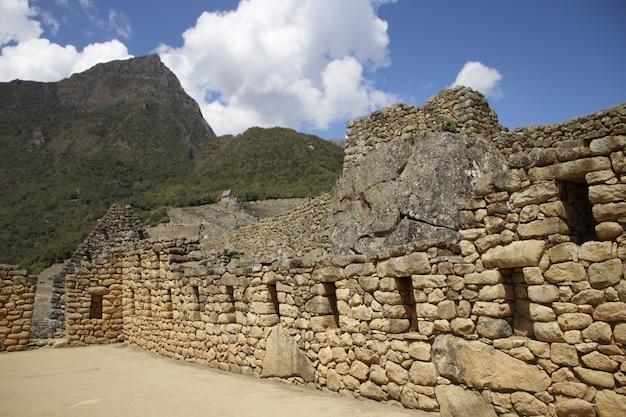 De huizen van de ruïnes van machu picchu. peru