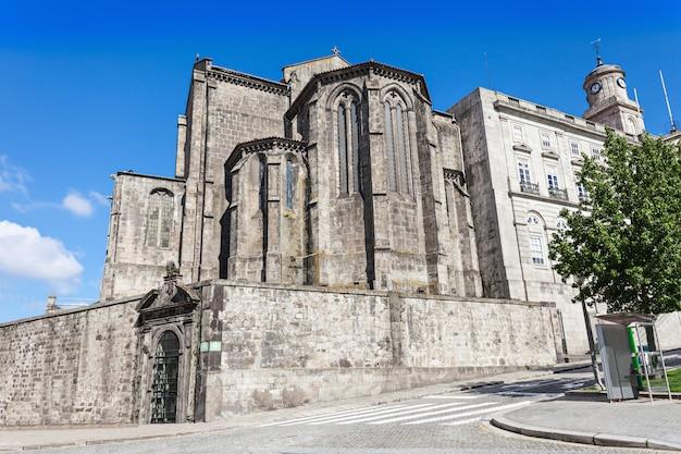 De igreja de sao francisco (kerk van sint franciscus) is het meest prominente gotische monument in porto, portugal