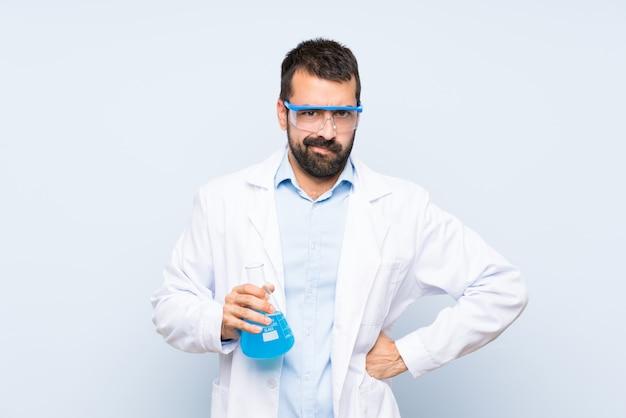 De jonge wetenschappelijke fles van het holdingslaboratorium