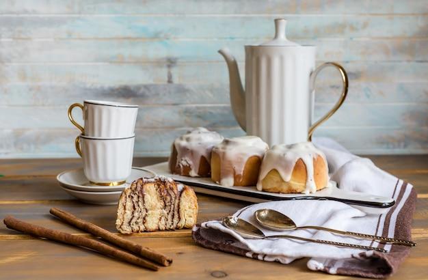 De kaneel rolt traditionele dessertbroodjes