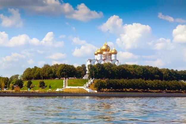De kathedraal van de veronderstelling in yaroslavl