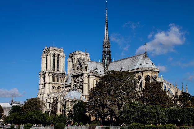 De kathedraal van notre dame in parijs, frankrijk