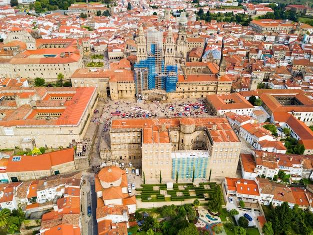 De kathedraal van santiago de compostela luchtfoto panoramisch uitzicht in galicië, spanje