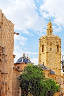 De kathedraaltempel van valencia in oude stad. spanje.