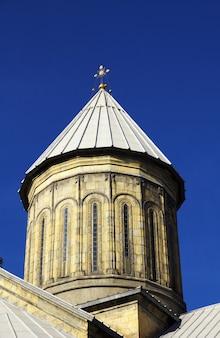 De kerk in de stad tbilisi, georgië