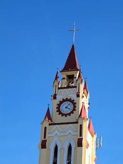 De kerk in iquitos op de amazone-rivier, peru