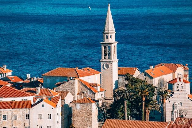 De kerk van budva old town montenegro kotor bay de balkan
