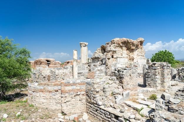 De kerk van maria (de raadskerk) in de oude stad efeze in selcuk, turkije
