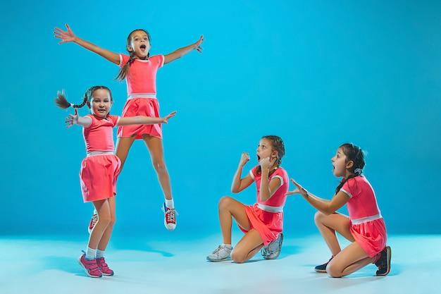 De kids dansschool, ballet, hiphop, street, funky en moderne dansers