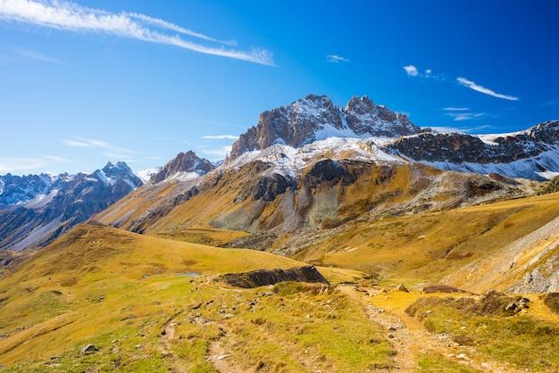 De kleuren van de herfst in de alpen