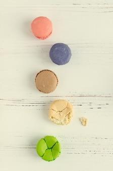 De kleurrijke makaron van amandelkoekjes