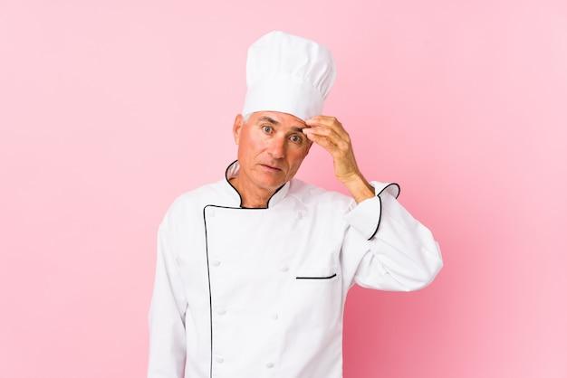 De kok van middelbare leeftijd isoleerde geschokt, heeft zij belangrijke vergadering herinnerd.