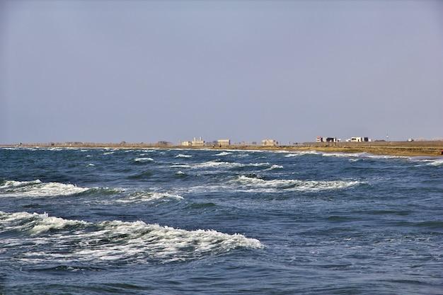 De kust van de rode zee, bab el mande, hodeida, jemen