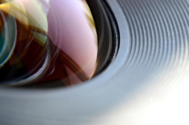 De lens van de fotocamera dicht omhoog