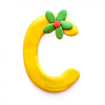 De letter c van het engelse alfabet uit plasticine