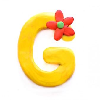 De letter g van het engelse alfabet uit plasticine