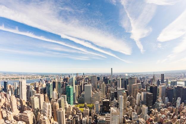 De luchtmening van new york, cityscape van helikopter