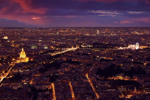 De luchtzonsondergang van parijs in frankrijk