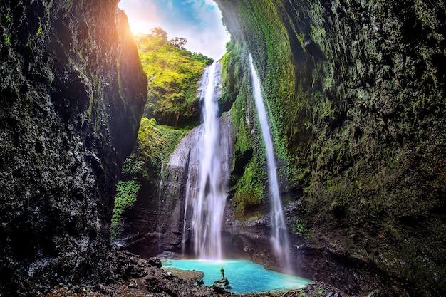De madakaripura-waterval is de hoogste waterval van java
