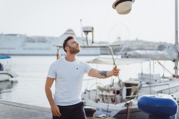 De man in de haven