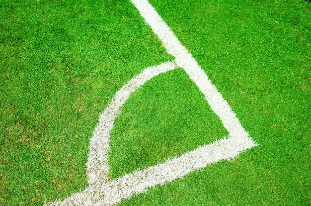 De markeringen op het voetbalveld. hoek dicht omhoog.