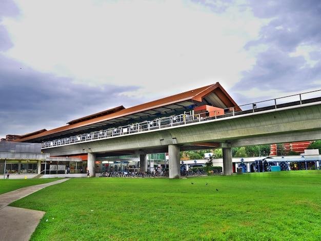 De metro in de stad singapore