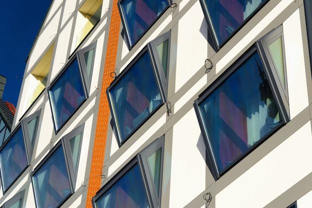 De moderne bouw van het glas in gdansk, polen