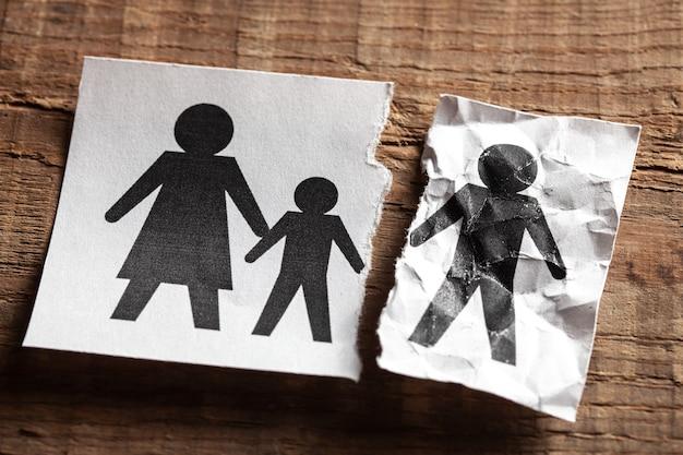 De moeder is dood dood in het gezin kind en vader bleven en de moeder stierf