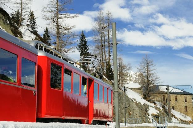 De montenvers-trein draagt chamonix, frankrijk