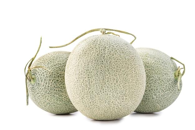 De mooie meloen van de rotskantaloep die op witte achtergrond wordt geïsoleerd