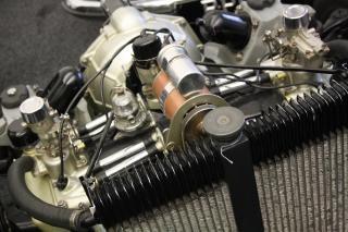 De motor staal