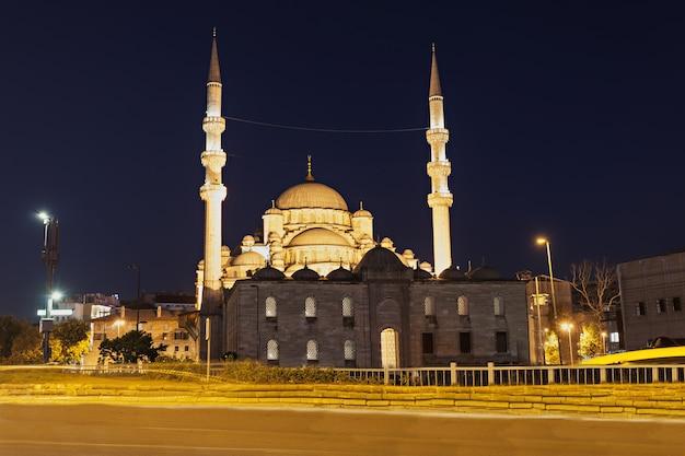 De nieuwe moskee (yeni cami) in istanbul, turkije