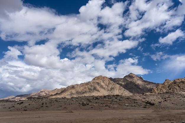 De noordelijke indiase himalaya-regio berg het gedeelte van de himalaya