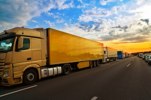 De opstopping van duitsland in een ongeval van het wegvoertuig