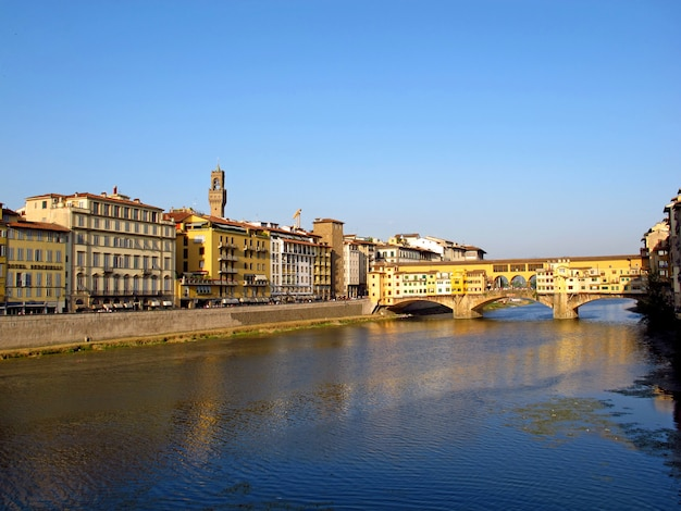 De oude brug van florence ponte vecchio, italië