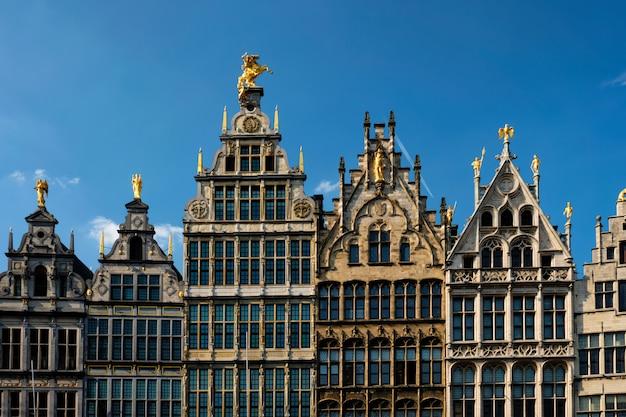 De oude huizen van antwerpen grote markt, belgië