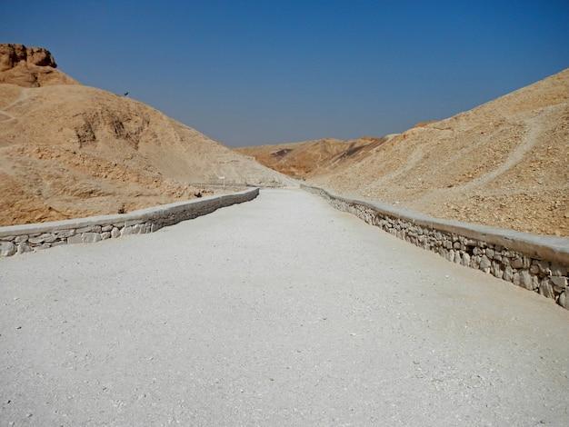 De oude necropolis vallei der koningen in luxor, egypte