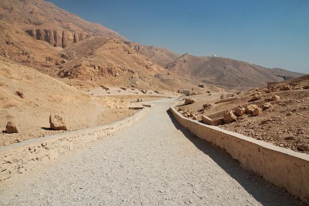 De oude necropolis vallei der koninginnen in luxor, egypte