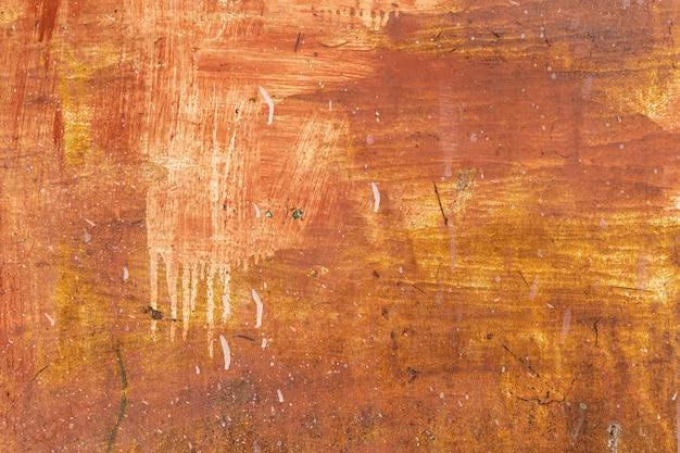 De oude plaat van het grunge roestige staal schilderde rode, gele, witte kleur van achtergrond en textuur.