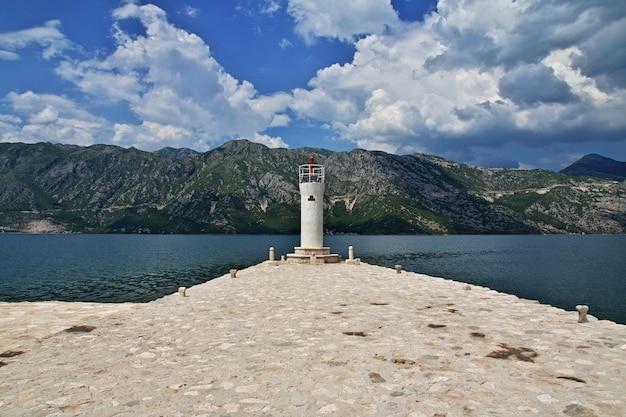 De oude stad perast aan de adriatische kust, montenegro