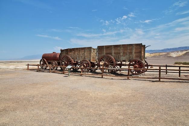De oude trein in death valley in californië, verenigde staten