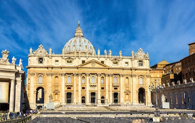 De pauselijke basiliek van st. peter in het vaticaan