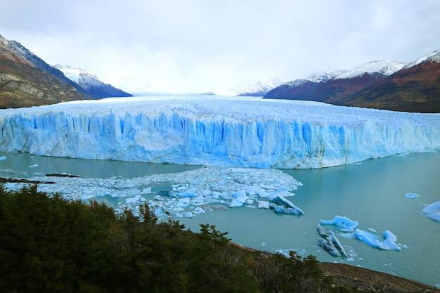 De perito moreno-gletsjer in het nationale park los glaciares